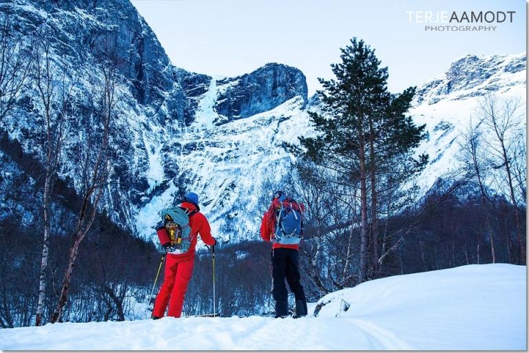 ice_climbing_mardalsfossen_0001.JPG