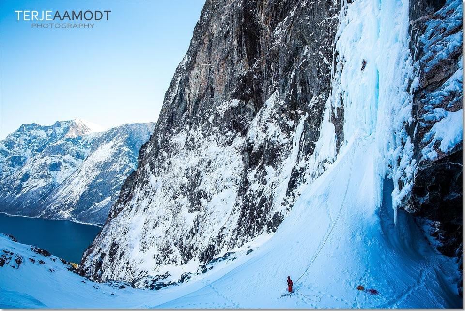 ice_climbing_mardalsfossen_0005.JPG
