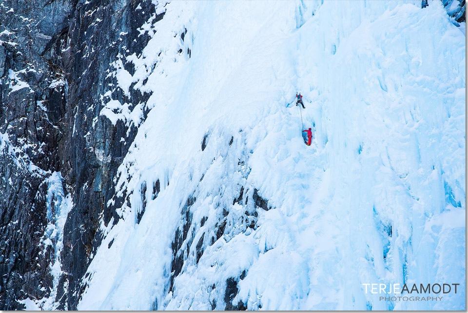 ice_climbing_mardalsfossen_0009.JPG