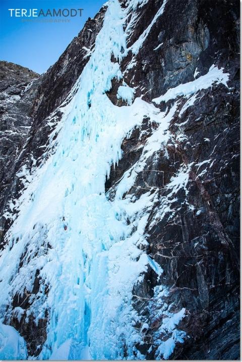 ice_climbing_mardalsfossen_0010.JPG