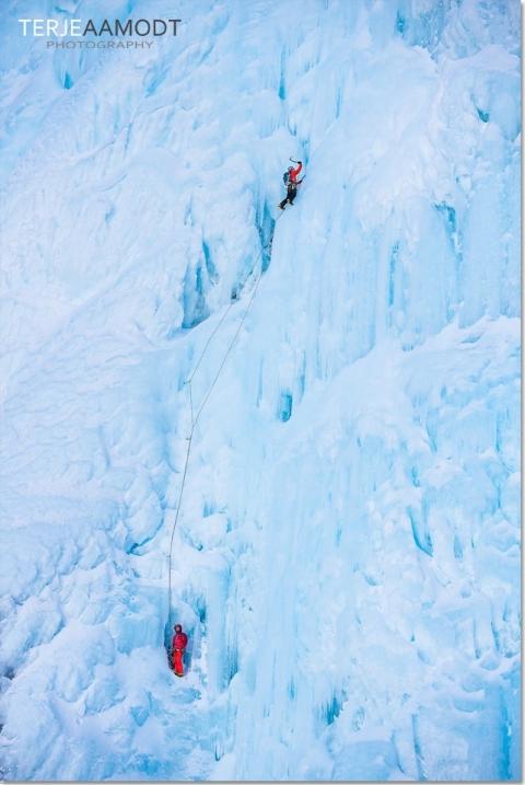 ice_climbing_mardalsfossen_0011.JPG