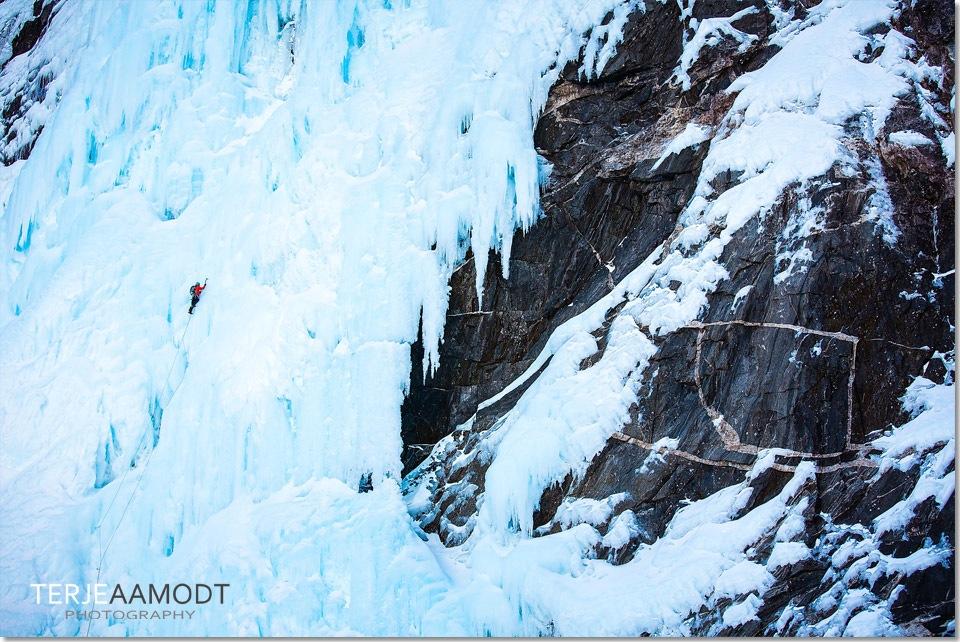 ice_climbing_mardalsfossen_0012.JPG