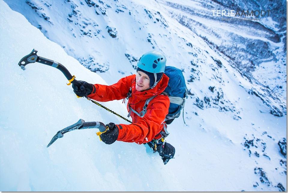 ice_climbing_mardalsfossen_0018.JPG